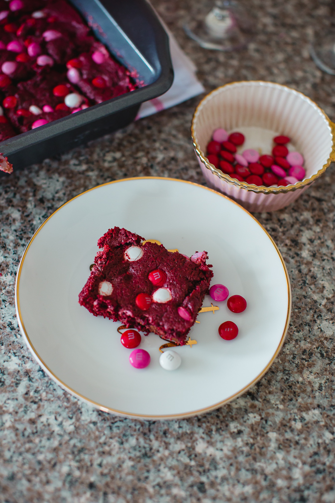Valentine's Day, Valentine's Day recipes, sweet treats, red velvet cake, red velvet brownies, dessert