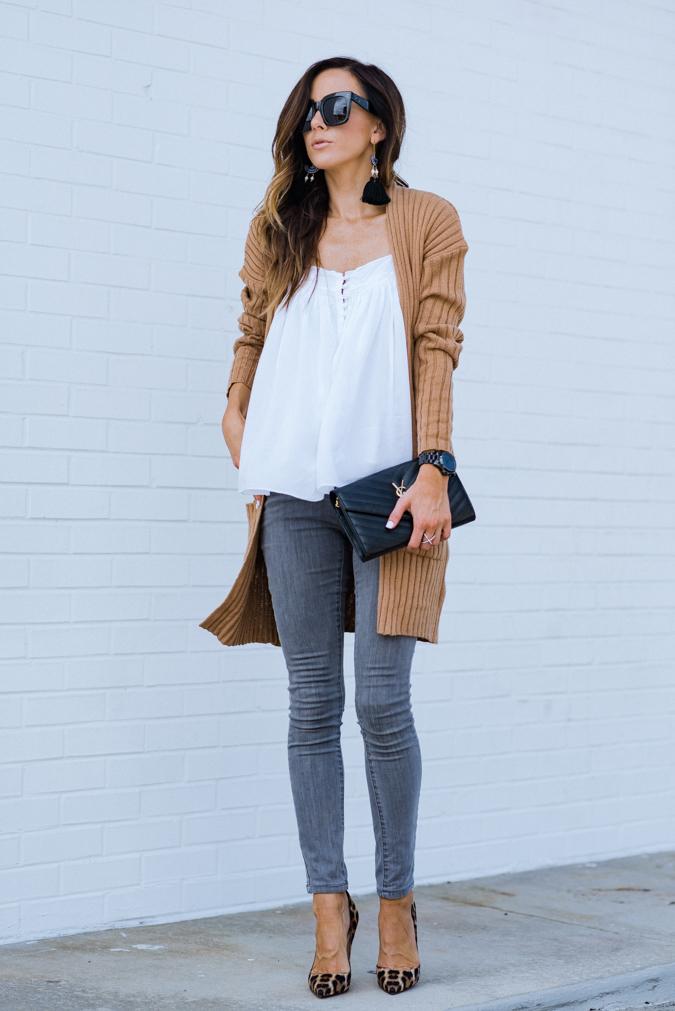 fall style, fall fashion, transitional style, grey jeans, gray jeans, how to style gray jeans
