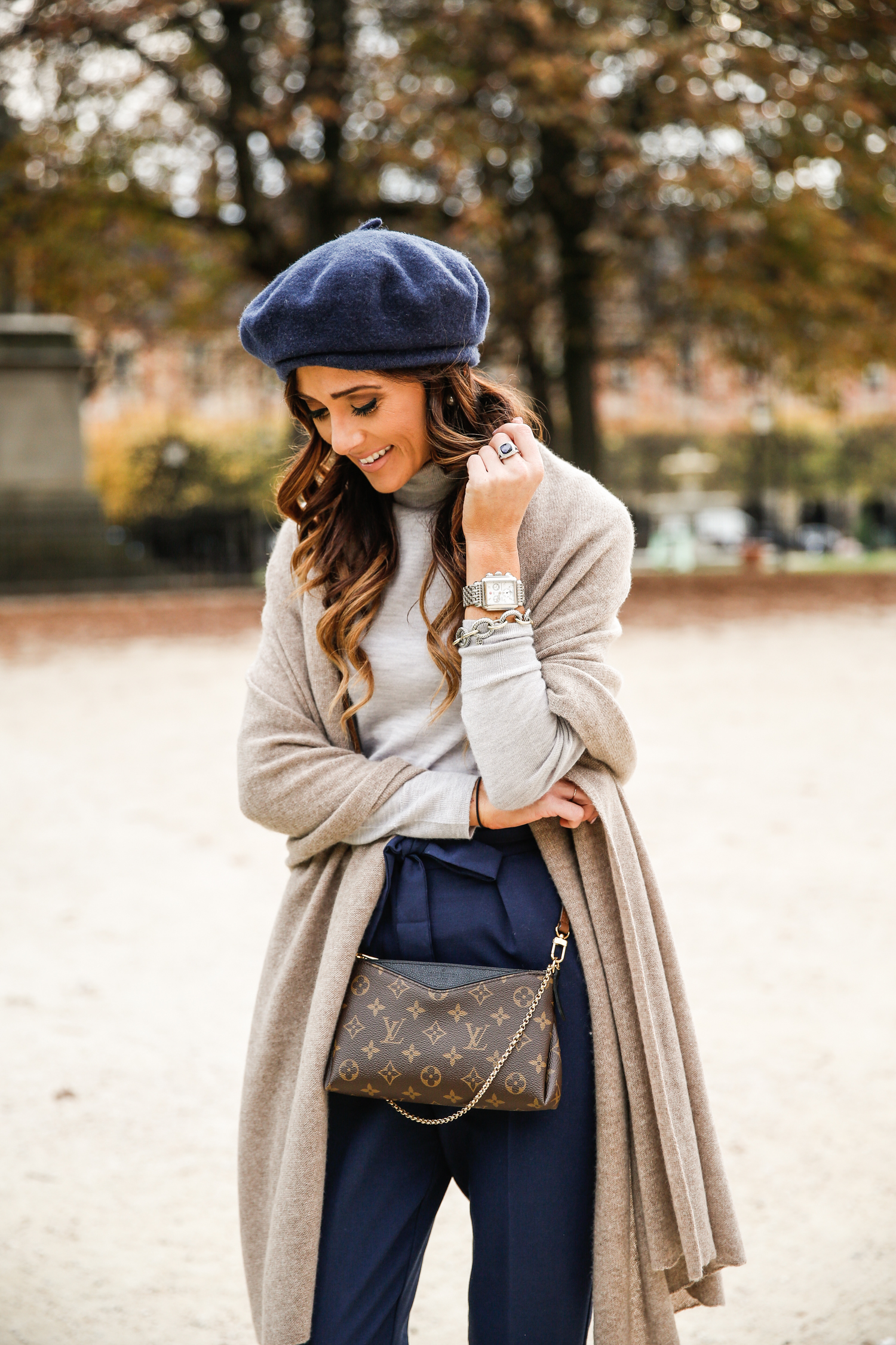 place des vosges, paris, france, what to wear in paris in the fall, fall outfit inspiration, chic fall outfit, asos, cashmere, louis vuitton