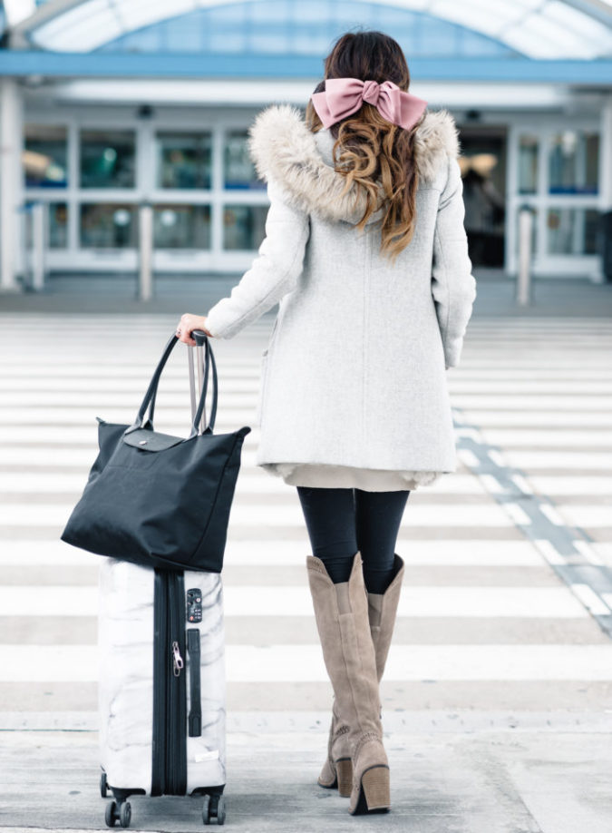 holiday travel, tips for holiday travel, holiday travel tips, sequins and things travel, sequins and things, sequins & things travel, sequins & things, alyson haley, alyson haley blogger, thanksgiving travel, traveling at christmas, christmas travel, how to survive holiday travel, holiday travel survival tips
