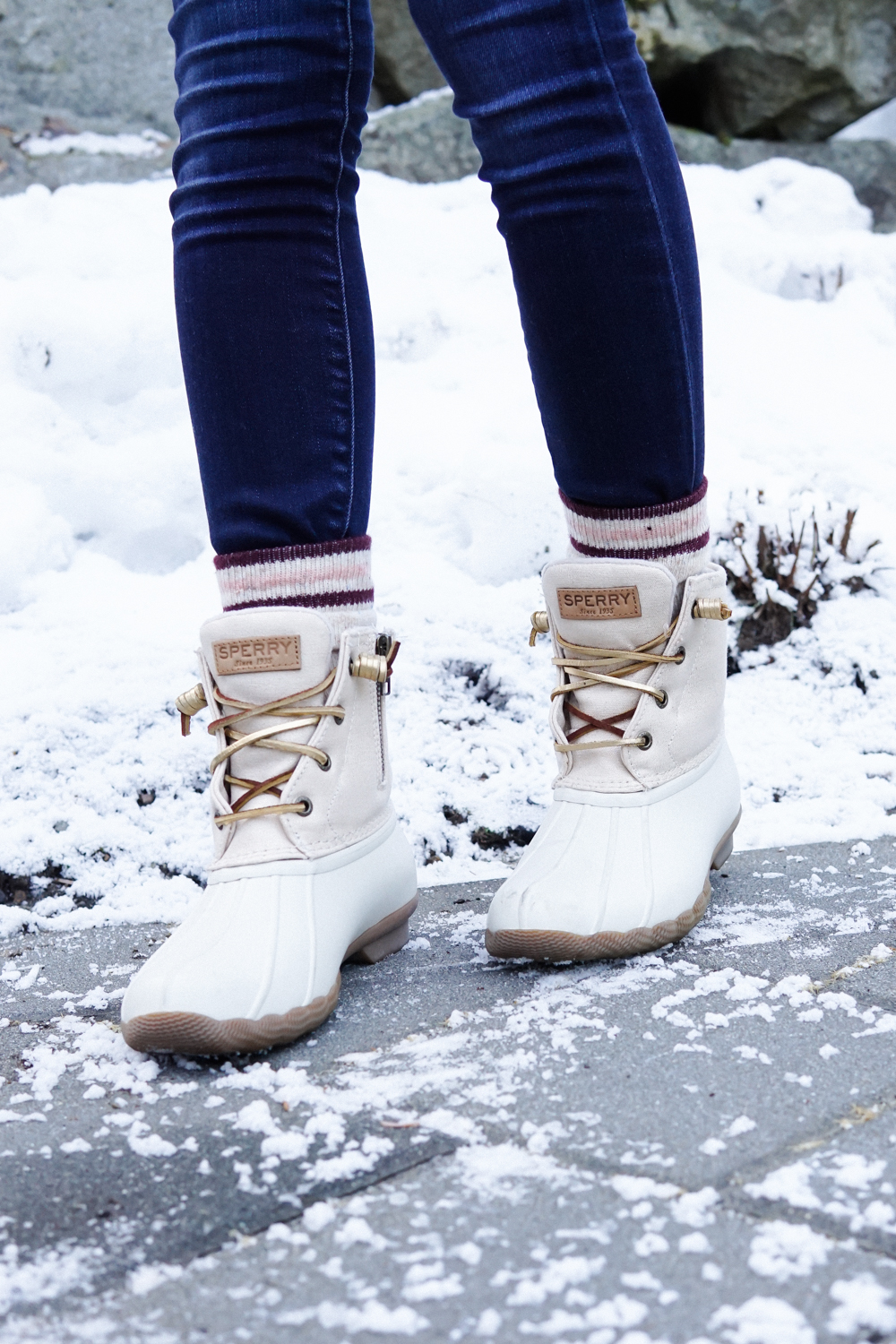 winter outfit inspiration, winter style, winter fashion, patagonia, sperry duck boots, sperry, gucci disco crossbody, whister, canada, travel style, ski town, what to wear in canada in the winter
