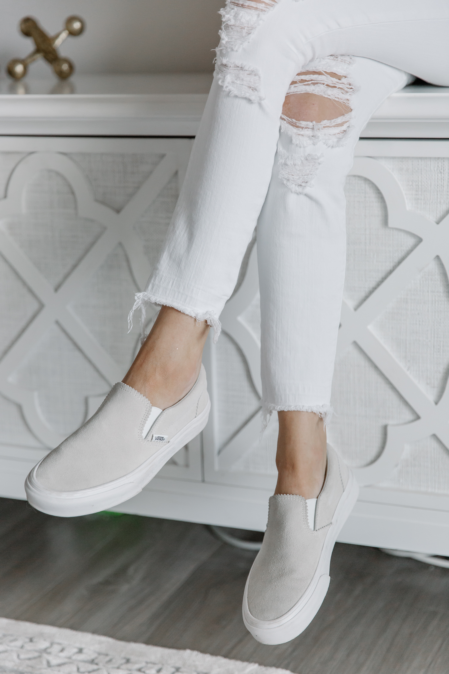 travel shoes, good shoes for travel, summer travel shoes, spring travel shoes, shoes, tory burch, travel, vans, nike