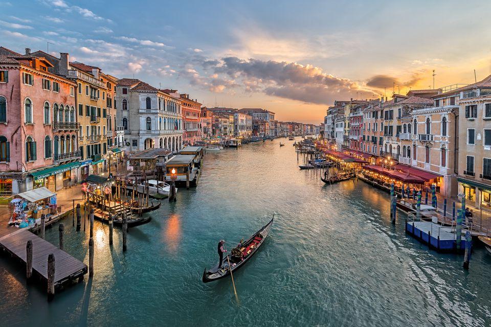 venice, italy, grand canal, venezia, alyson haley travel diary, venice travel diary, gondola ride, gondola, gondolier
