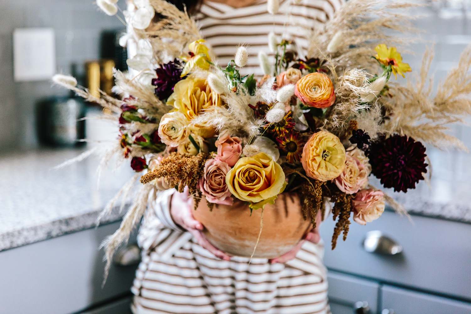 fall inspired floral arrangement