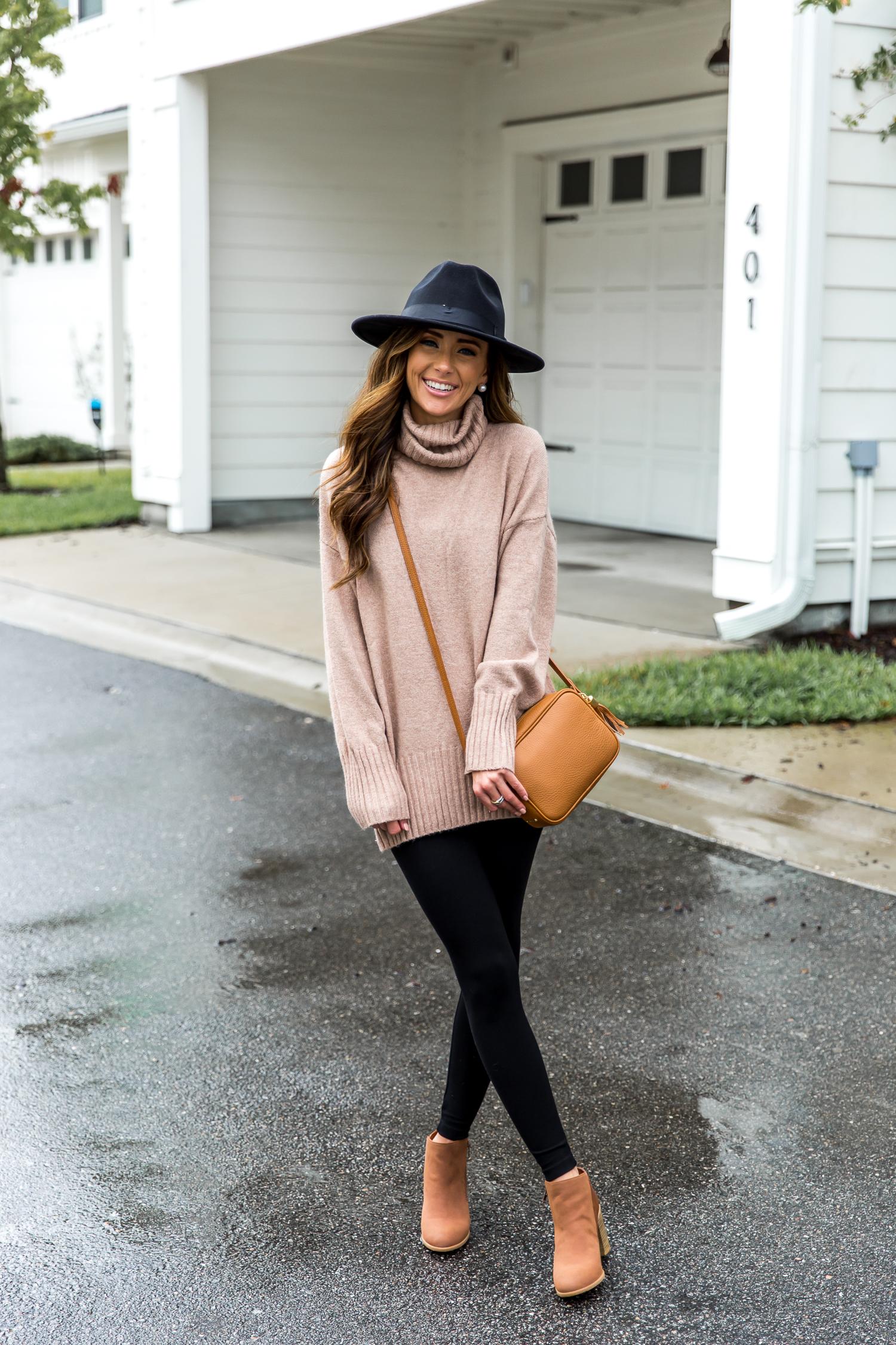 classic fall style, slouchy tunic, black leggings