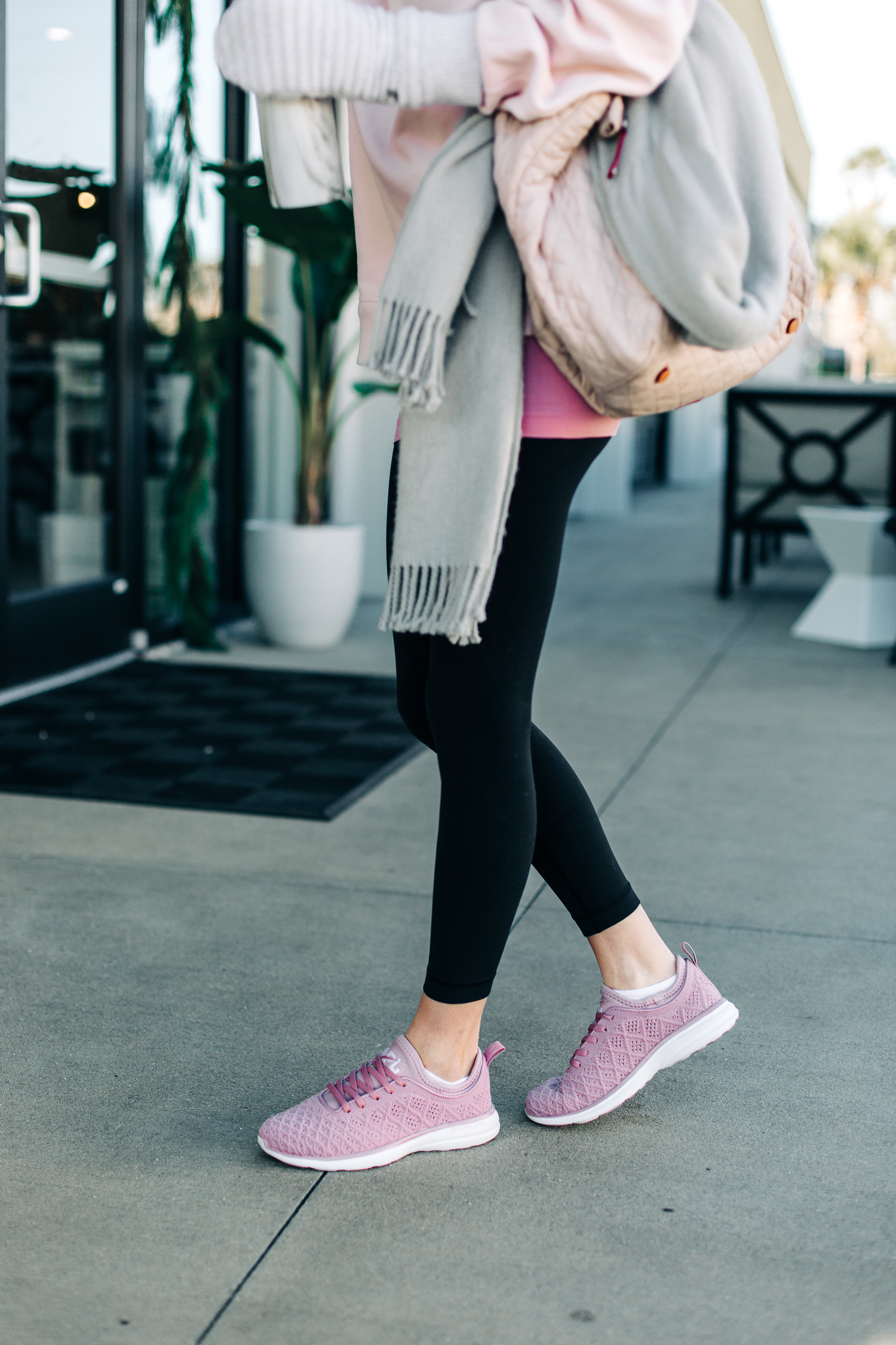 fitness lover gift ideas, lululemon
